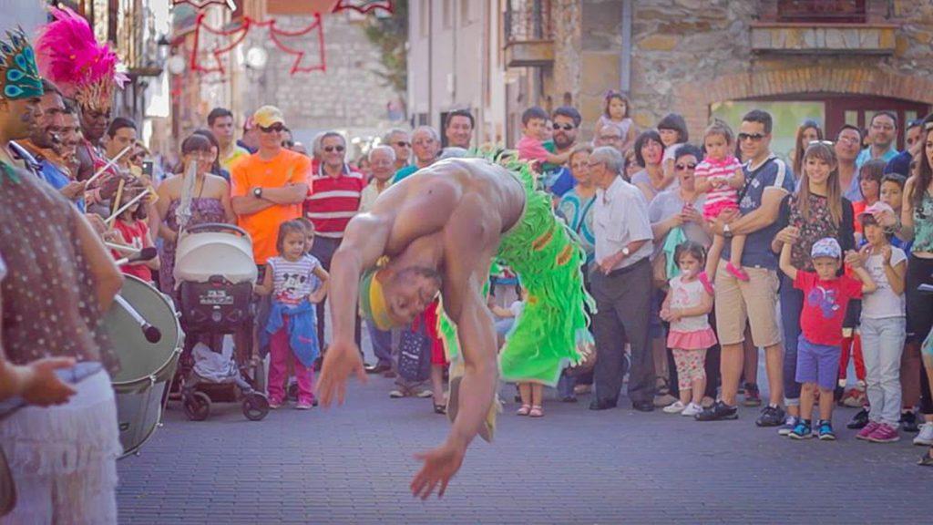 espectaculo capoeira batucada